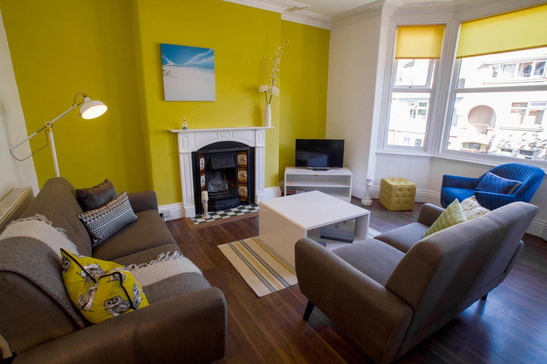 Victoria 24 Living Room